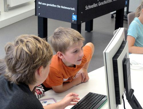 Kids programmieren bei der ersten Coding Challenge